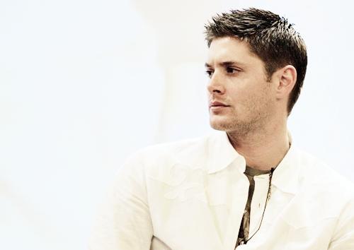 Jensen Ackles wallpaper titled Jensen Ackles <3