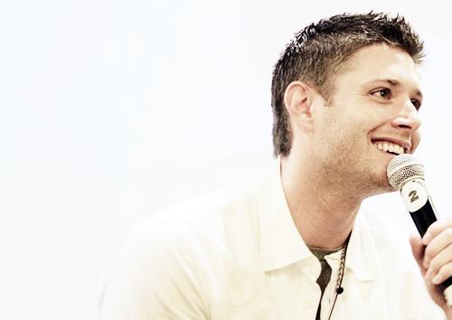 Jensen Ackles wallpaper entitled Jensen Ackles <3