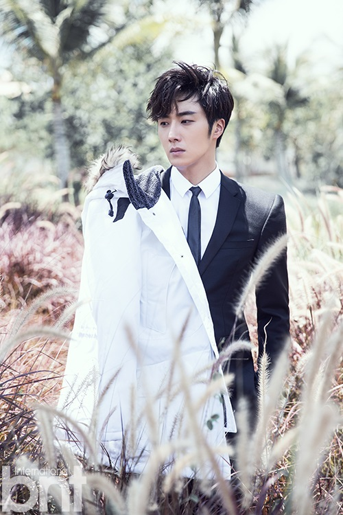 http://images6.fanpop.com/image/photos/37800000/Jung-Il-Woo-for-International-bnt-jung-il-woo-37852829-500-750.jpg