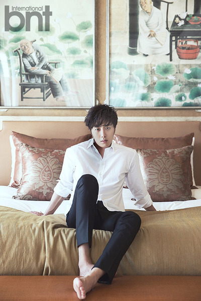 http://images6.fanpop.com/image/photos/37800000/Jung-Il-Woo-for-International-bnt-jung-il-woo-37852877-400-600.jpg