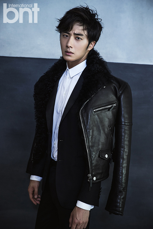 http://images6.fanpop.com/image/photos/37800000/Jung-Il-Woo-for-International-bnt-jung-il-woo-37852884-520-780.jpg