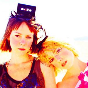 Laura Ramsey and Jena Malone