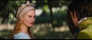 Lily James as सिंडरेला