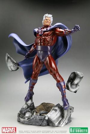 Magneto / Max Eisenhardt / Erik Lehnsherr Figurine