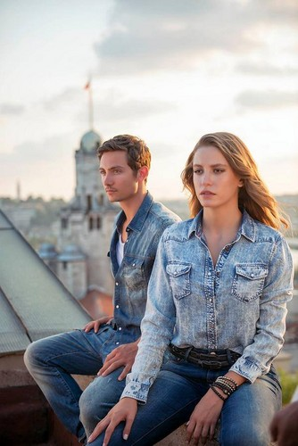 Serenay Sarikaya wallpaper probably with a street and a business suit titled Mavi Jeans