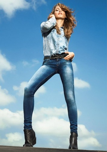 Serenay Sarikaya wallpaper with long trousers and bellbottom trousers titled Mavi Jeans
