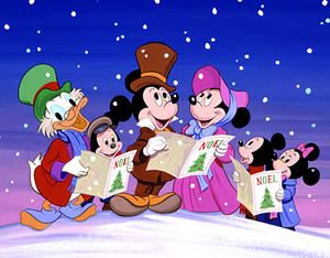 Mickey and friends natal