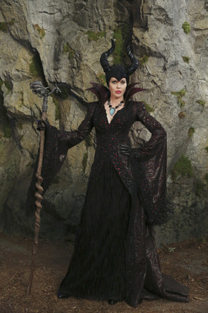 Once Upon a Time - Episode 4.11 - Герои and Villains