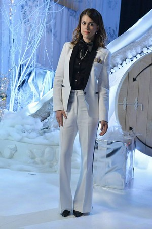"""PPL """"How A aliiba Christmas"""" (5x13) promotional picture"""