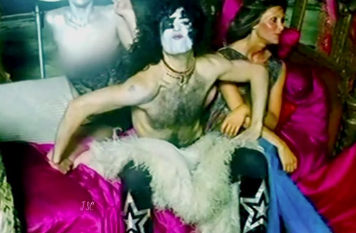 KISS پیپر وال called Paul….Hotter Than Hell تصویر shoot outtakes 1974