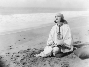 Pola Negri фото
