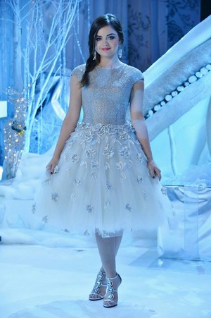 Pretty Little Liars - クリスマス Dresses