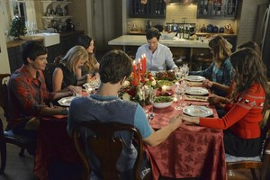 Pretty Little Liars navidad Episode fotos