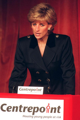 Принцесса Диана Обои probably containing a business suit, a suit, and a well dressed person called Princess Diana ♥