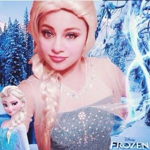Real Elsa look alike
