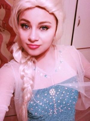 Real life Elsa
