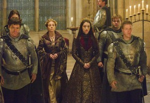 "Reign 2x09 ""Acts of War"" Promo фото"
