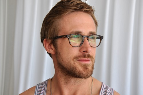 Ryan Gosling wallpaper possibly with a portrait titled Ryan Gosling