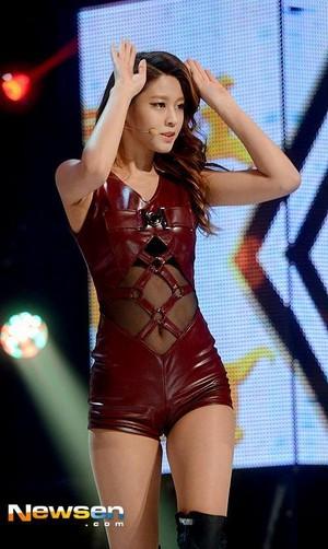 SeolHyun - mostra Champion