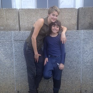 Shailene Woodley and Emjay Anthony(Tris and Hector,Insurgent)