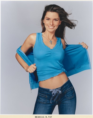 Shania Twain karatasi la kupamba ukuta probably containing bellbottom trousers called Shania Twain