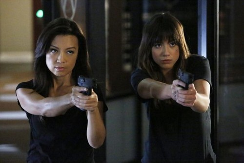 Skye (Agents Of S.H.I.E.L.D) 바탕화면 titled Skye and May