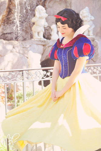 Classic Disney kertas dinding entitled Snow White