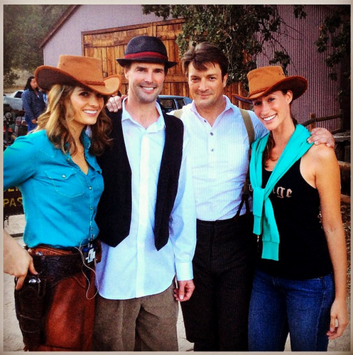Nathan Fillion & Stana Katic wallpaper with a fedora, a boater, and a porkpie called Stanathan and fans-BTS 7x7
