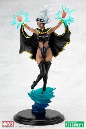 Storm / Ororo Munroe Figurine 2