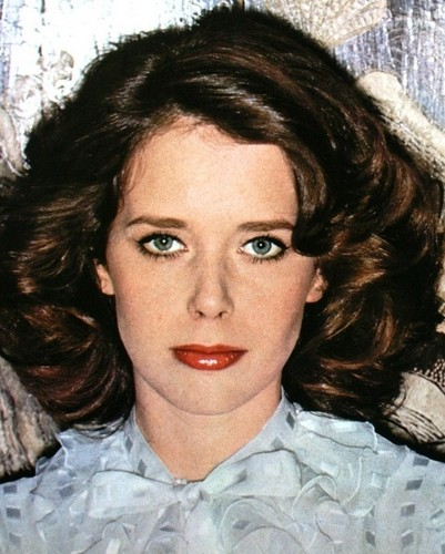 selebriti yang meninggal muda wallpaper probably with a portrait called Sylvia Kristel (1952 - 2012)