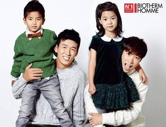 Tablo-Haru and Sean-Harang get together for a 크리스마스 pictorial