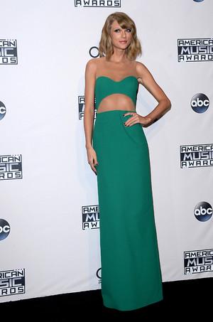 Taylor nhanh, swift at American âm nhạc Awards 2014