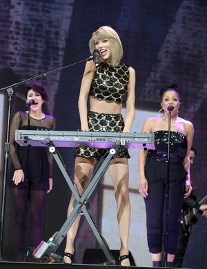 Taylor performing at Capital FM's Jingle kengele Ball 2014