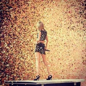 Taylor performing at Capital FM's Jingle kengele Ball 2014