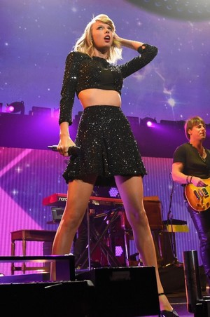 Taylor performing at KIIS FM Jingle Ball 2014