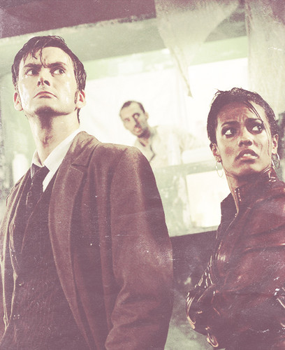 The Tenth Doctor wallpaper called Ten and his Companions