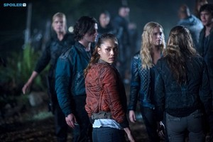 The 100 - Episode 2.08 - Spacewalker (Fall Finale) - Promotional фото