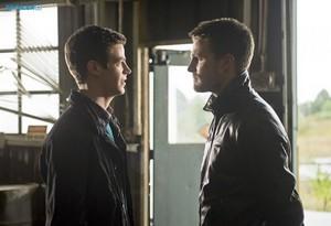 The Flash - Episode 1.08 - Flash vs. Arrow - Promotional تصاویر