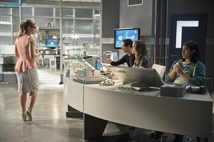 The Flash - Episode 1.08 - Flash vs. ऐरो - Promotional चित्रो