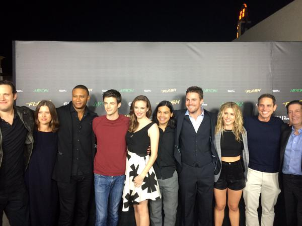 The Flash and Arrow Crossover Premiere