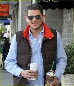 at Starbucks in Los Angeles MARCH 2008