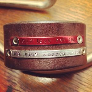 his Любовь ran red my sins washed white - bracelet