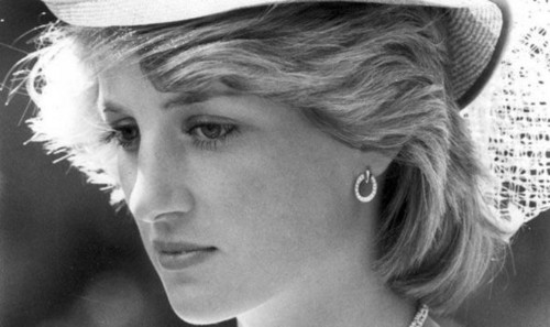 Принцесса Диана Обои with a snap brim hat, a campaign hat, and a fedora titled princess diana