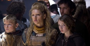 shieldmaid lagertha with gyda and bjorn