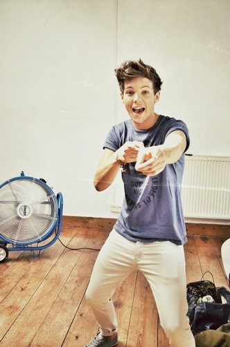 Louis Tomlinson wallpaper titled               Louis