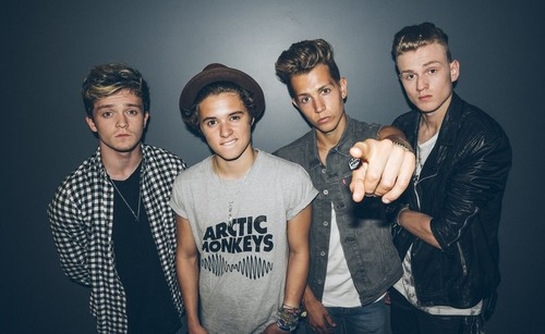 The Vamps پیپر وال probably containing a leisure wear, an outerwear, and سلیکس called The Vamps
