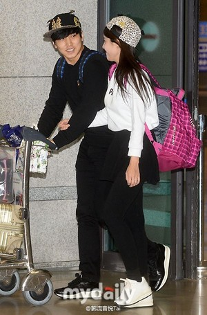 141219 ICN airport - sungmin and kim sa eun coming back from their honeymoon