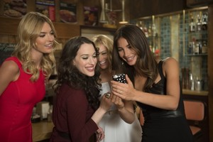 """2 Broke Girls """"And The Model Apartment"""" (4x06) promotional picture"""