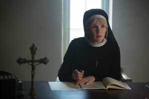 "American Horror Story ""Orphans"" (4x10) promotional picture"