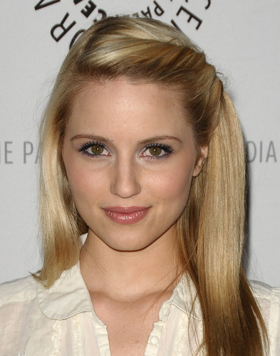 Dianna Agron fondo de pantalla with a portrait entitled Beautiful Dianna